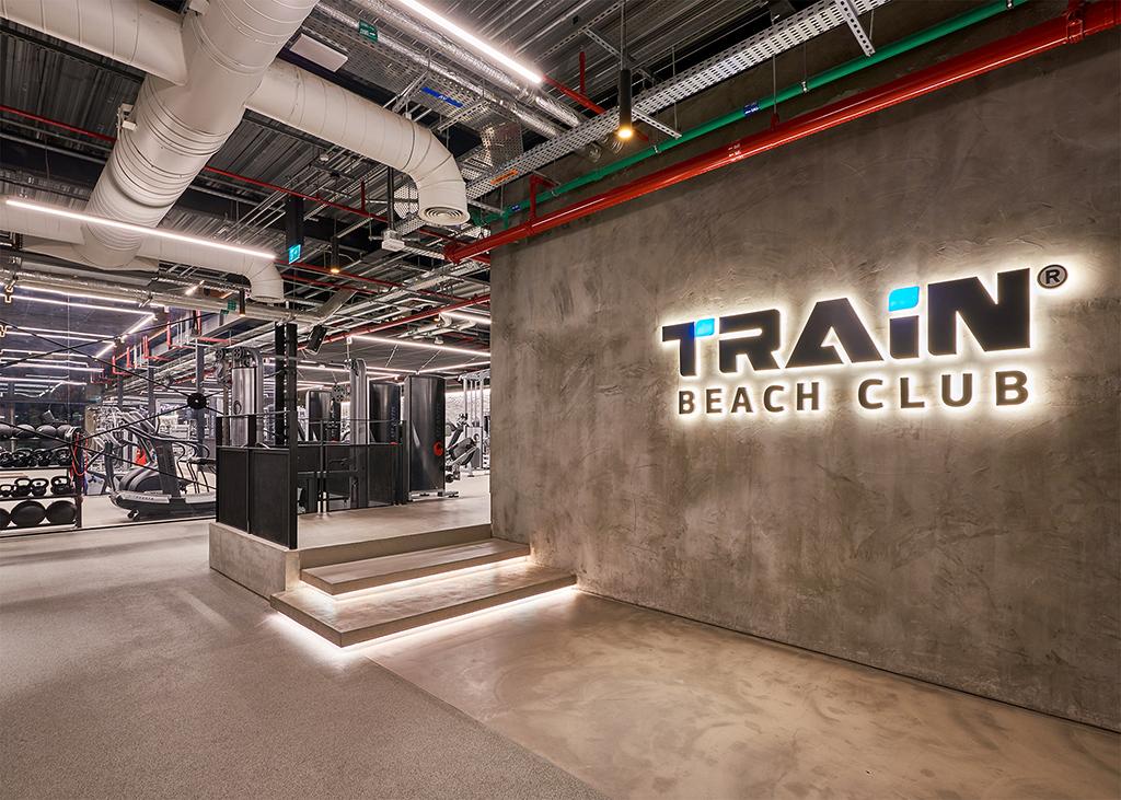 Train-Beach-Club